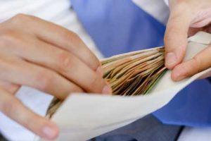 Выявление черной зарплаты при помощи частного детектива