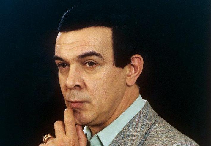брат Магомаева нанял детектива